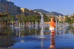 喷泉在尼斯 免版税库存图片