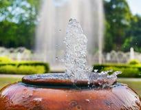 喷泉在庭院里 图库摄影