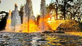 喷泉在庭院里 库存图片