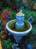 喷泉在庭院马拉加安大路西亚西班牙里 库存照片