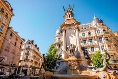喷泉在格勒诺布尔市 免版税库存照片