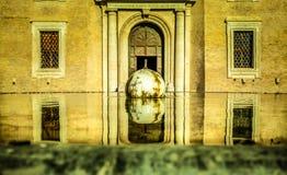 喷泉在梵蒂冈博物馆 库存图片