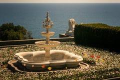 喷泉在沃龙佐夫宫殿公园在克里米亚乌克兰 库存照片