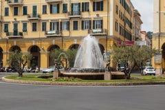 喷泉在统治权的市中心,意大利 免版税库存照片