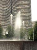 喷泉在芝加哥商业区 库存图片
