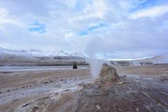 喷泉在阿塔卡马沙漠的el Tatio,智利 免版税库存照片