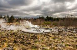 喷泉在雷克雅未克,冰岛。 库存图片