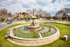 喷泉在巴塞罗那的中心在西班牙 免版税图库摄影