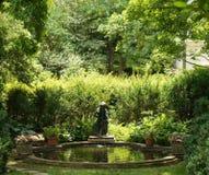 喷泉在tudor地方 免版税库存照片
