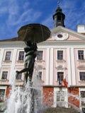 喷泉大厅亲吻的学员tartu城镇 免版税库存图片
