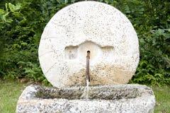 喷泉大理石轮子 免版税库存照片