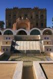 喷泉庭院la宫殿西西里岛zisa 免版税库存照片