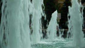 喷泉强有力的喷气机,提高水流量 股票录像