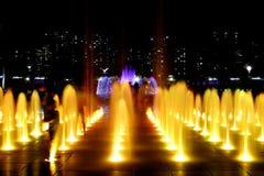 喷泉晚上 免版税库存照片