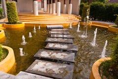 喷泉石水方式 库存照片