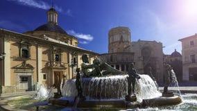 喷泉维尔京圣玛丽的正方形的里约Turia在巴伦西亚西班牙-欧洲城市建筑学 库存照片