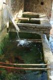 喷泉老石头 免版税库存图片