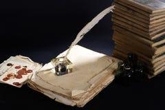 喷泉老笔 信件和墨水池 库存照片