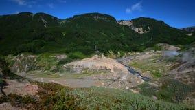 喷泉谷 旅游季节在堪察加半岛 克罗诺基火山自然保护 夏天股票英尺长度录影 股票视频