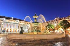 喷泉里斯本rossio正方形 免版税图库摄影