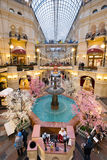 喷泉顶视图在胶购物中心的在红场 库存照片