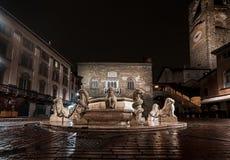 喷泉Contarini -贝加莫-意大利 库存照片