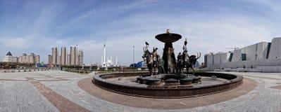 喷泉Sak战士和国家博物馆 哈萨克斯坦,阿斯塔纳ci 免版税图库摄影