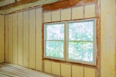 喷洒的Polyurea,泡沫屋顶涂层绝缘材料  库存图片
