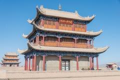 嘉峪关,中国- 2015年4月13日:嘉峪关通行证的纪念碑,西部 库存照片