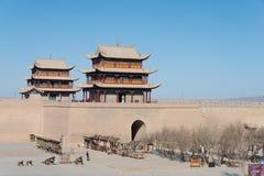 嘉峪关,中国- 2015年4月13日:嘉峪关通行证的纪念碑,西部 免版税图库摄影