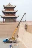嘉峪关,中国- 2015年4月13日:恢复在工作下在贾 库存照片