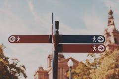嘲笑在城市布局的waymark 库存照片