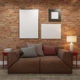 嘲笑空白的海报在客厅砖墙  免版税图库摄影