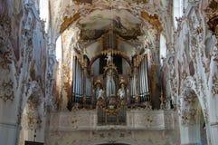 器官在教会里 免版税库存照片