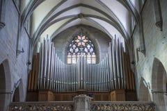器官在教会Fraumunster苏黎世里 库存图片