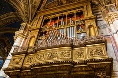 器官在锡耶纳大教堂里 库存图片