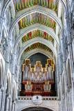 器官管在Almudena大教堂里  免版税库存照片