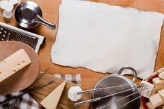 器物和食物涮制菜肴 免版税库存图片