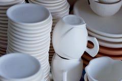 器物由被烘烤的黏土制成 绘的空白 创造性的瓦器 免版税图库摄影