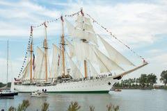 四上了船桅高船埃斯梅拉达 库存图片