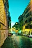 四个喷泉街道在罗马在意大利在晚上 免版税库存图片