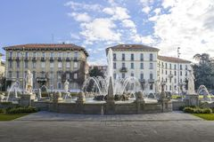 四个季节的喷泉用意大利语Fontana delle在广场朱利奥塞萨尔,米兰,意大利的Quattro Stagioni 库存图片