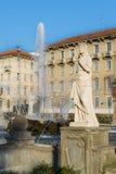 四个季节Fontana delle在广场朱利奥塞萨尔,米兰,意大利的Quattro Stagioni的喷泉 库存图片