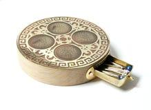 四个顶针和箱子的装饰基地 免版税库存照片