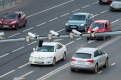 四交通安全照相机在路的监视CCTV特写镜头在大城市 库存照片