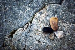 四块圆的石头 库存照片