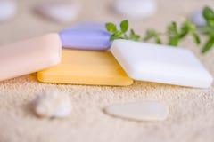 四块肥皂在毛巾的 免版税库存图片