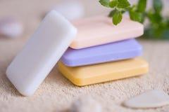 四块肥皂在毛巾的 库存图片