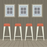 四把凳子椅子在三Windows葡萄酒样式以下 免版税库存照片