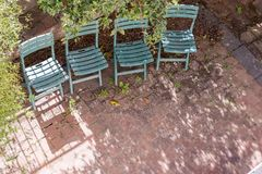 四把绿色椅子 免版税库存图片